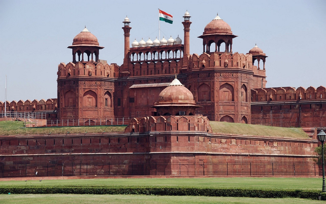 Cali4Travel - red fort