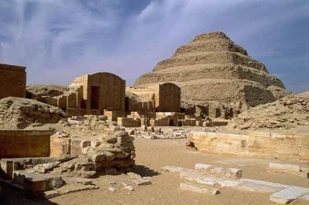 Cali4travel-Egypt Day Tour-pyramid of djoser